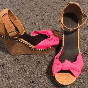 Pink Bow Tie Wedges